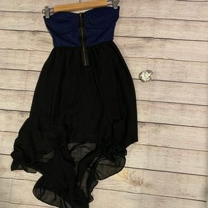 Black and blue strapless sweetheart dress
